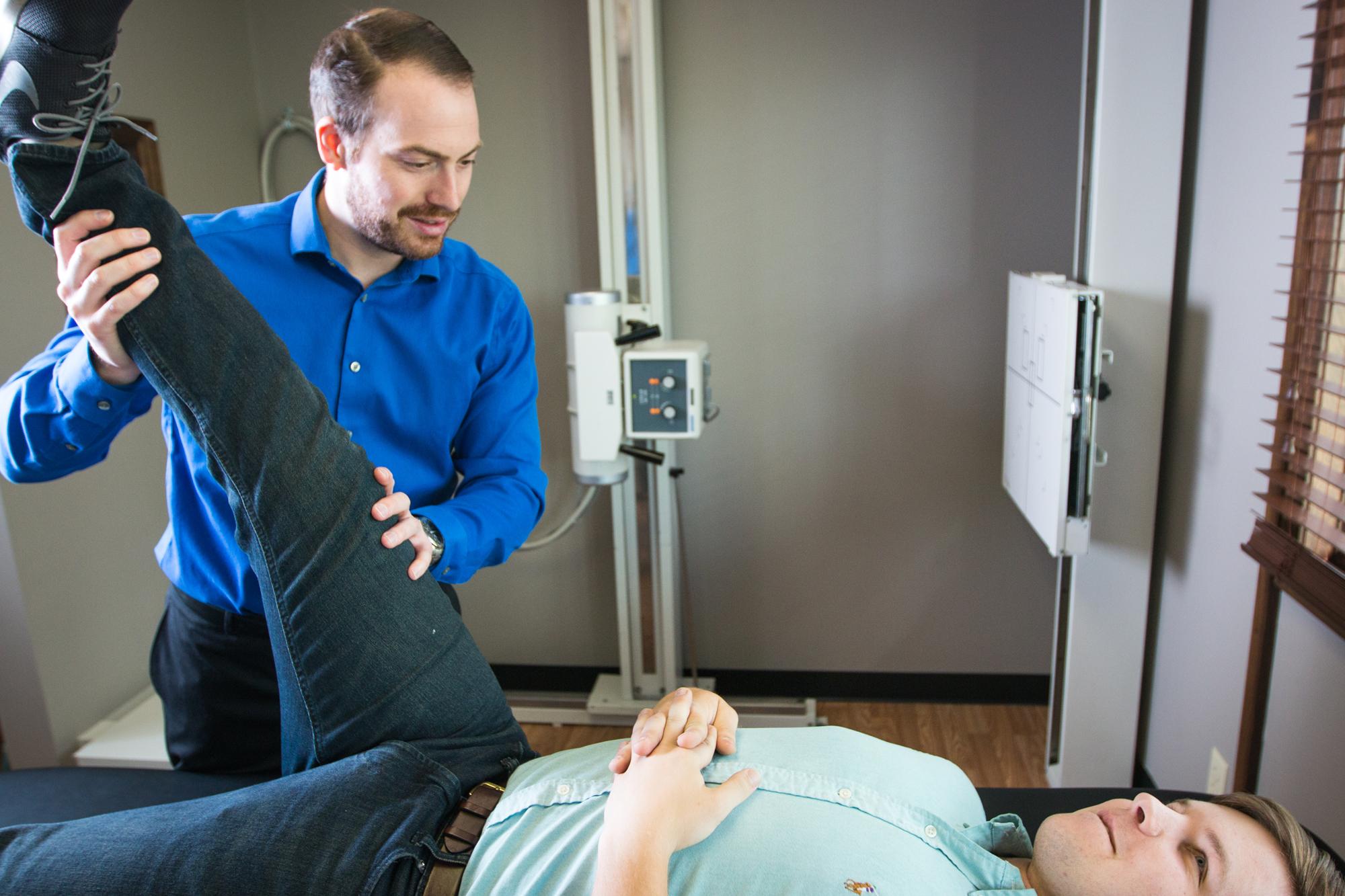 http://phaupchiro.com/wp-content/uploads/2015/12/phaup-chiropractic-adjustment.jpg